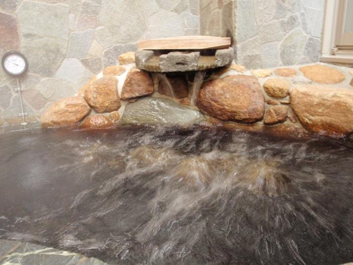 かけ流し併用の温泉をご堪能くださいませ。