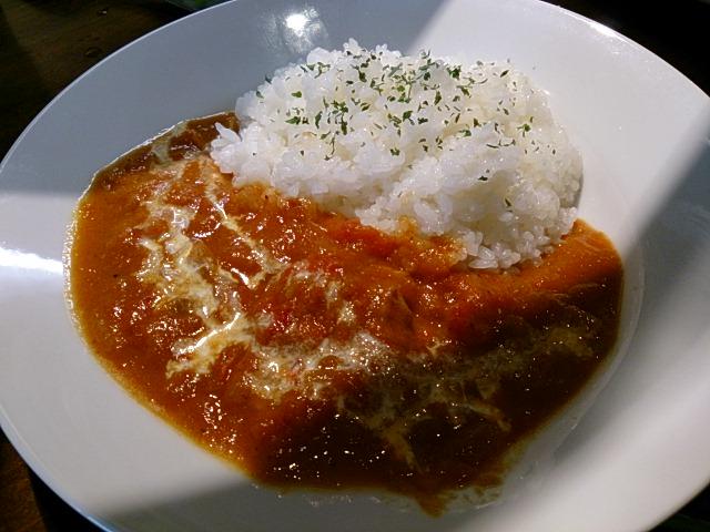 じっくり煮込んだカレー。武蔵小山の西口は今熱いです!